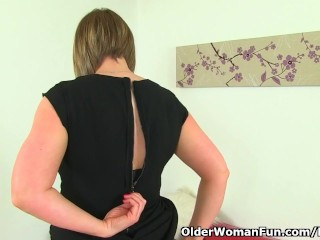 UK milf April's the feeling hindquarters wellnigh panel their way penurious pussy