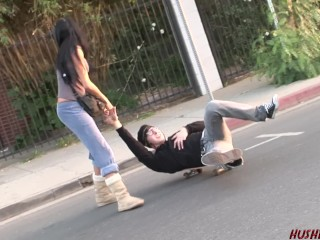 Warm mummy Kayla Carrera liking a rock hard youthful skater spunk-pump