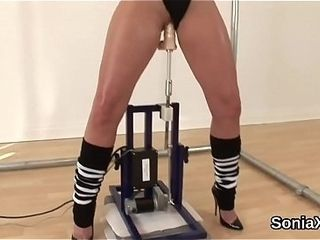 Unfaithful uk cougar nymph sonia unveils her thick puppies