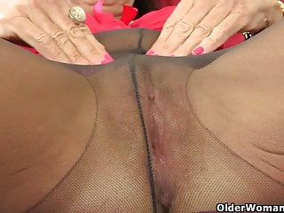 English gilf Josie finger screws her unshaved fuckbox
