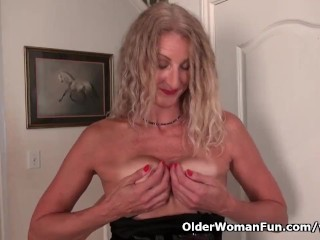 American milf Lauren gets rattled below cost relatslagg to the brush pantyhose