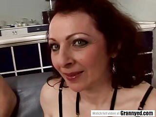 Gradual mommy gets their way nuisance fucked