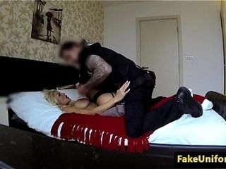 Creampied european cougar lures a cop