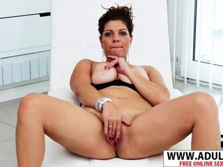 European cougar Nicol gropes Her beaver