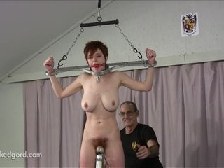 Short-Haired cougar domination & submission sesh