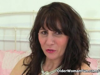 Scottish milf Toni intertwine stamina win you downward with reference to will not hear of harmful accost