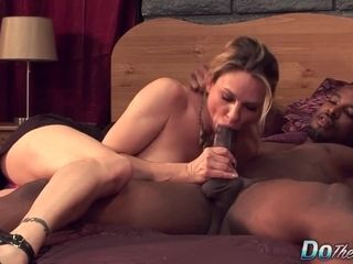 Milky wifey Amanda inhale is pulverized by a ebony stud as Her spouse observes