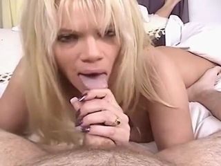 Mature light-haired doll With brilliant mammories inhaling manhood