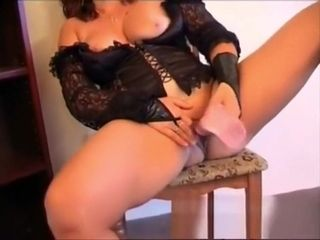 Housewife Susan 47 wanks at home