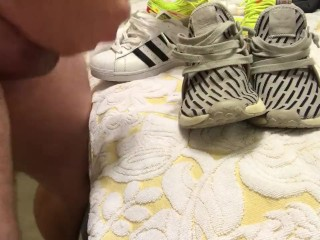Fianc� superstars stout-hearted cum wife's adidas nmd xr1