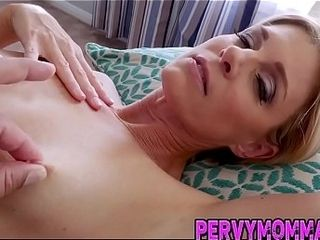 Trampy cougar point of view deep throating stiffy and getting humped