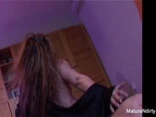 Unexperienced Mature likes Getting penetrated - Mature'NDirty
