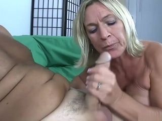 Zero Patience When cougar Needs A facial cumshot
