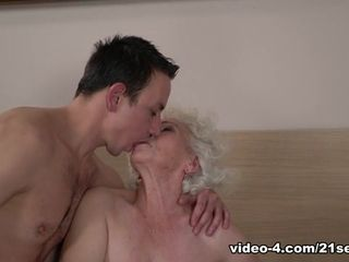 Norma in Goldilocks - 21Sextreme