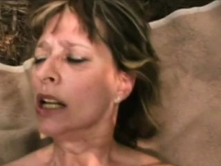 Tempting mature delicacy fapping before the poke