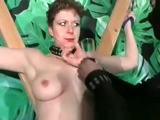Kinky ultra-kinky brown-haired blows pecker