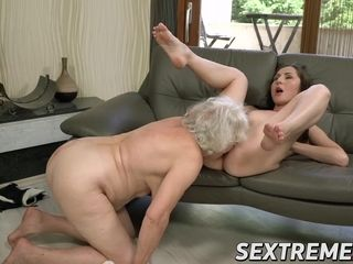 Magnificent youthful Linda enjoy luvs butt and cootchie gobbling by grandmother