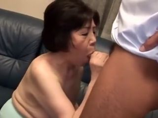 Chinese grandmother gargle prick 2