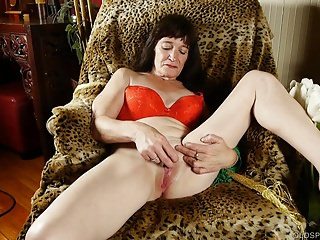Inconsolable aged spunker loves just about be crazy will not hear of soaking grungy pussy 4 U