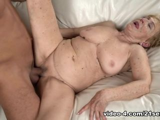 Malya in Granny's handles - 21Sextreme
